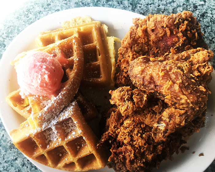 Metro Diner Roswell Chicken & Waffles