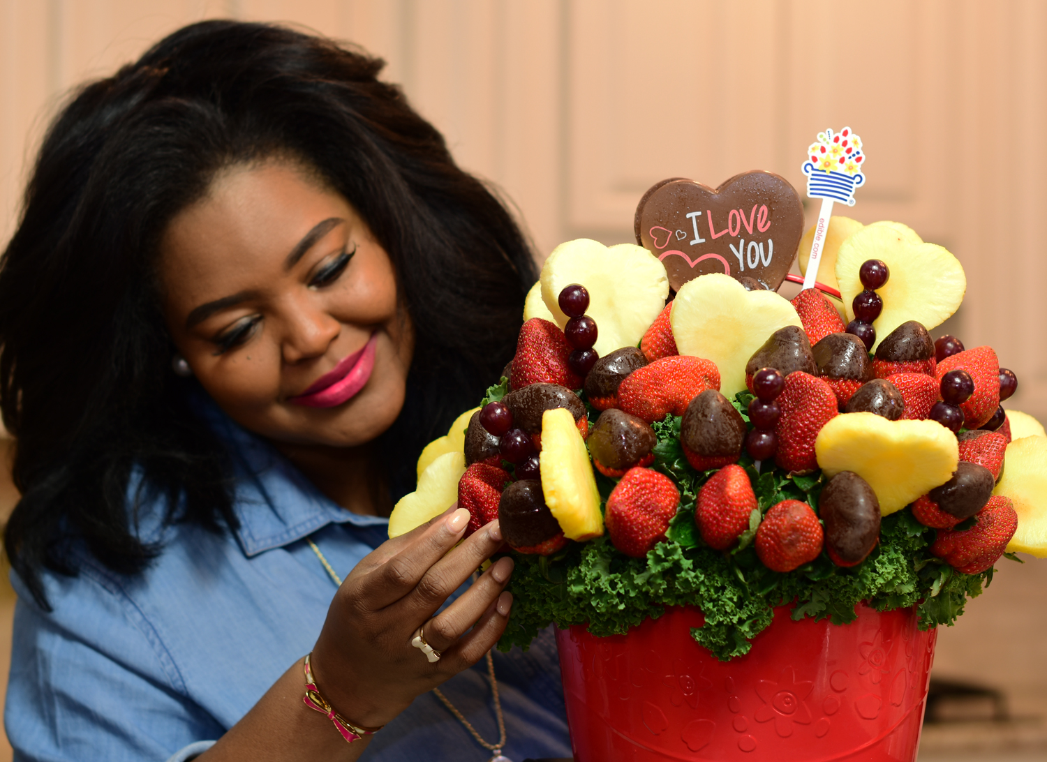 Be Mine Bouquet Edible Arrangements